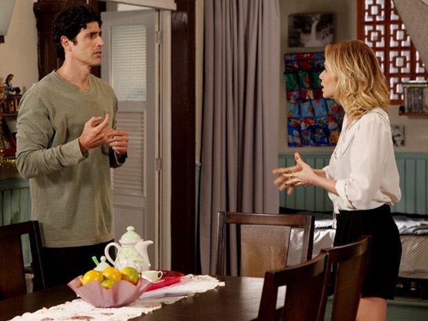 Nando e Juliana conversam e ele quase diz que é apaixonado por ela (Foto: Guerra dos Sexos / TV Globo)