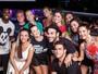 Angélica, Luciano Huck e mais famosos curtem show de Thiaguinho