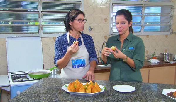 """No quadro """"Hora do Rancho"""", uma receita de coxinha de frango com massa de batata.  (Foto: Divulgação)"""