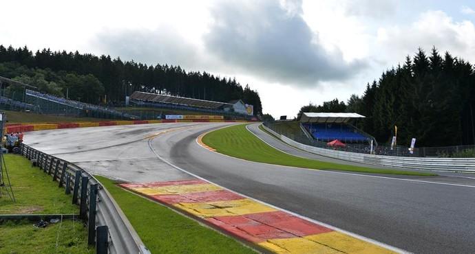 Famosa curva Eau Rouge, no circuito de Spa-Francorchamps (Foto: Divulgação)