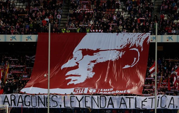 Aragones bandeira atletico madri x levante (Foto: AP)