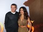 Salma Hayek e Antonio Banderas vão à pré-estreia de 'Gato de botas'