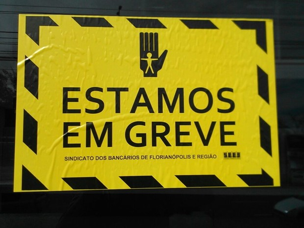 Categoria rejeitou a proposta da Fenaban de 6,5% de reajuste sobre os salários (Foto: Thomas Braga/RBS TV)