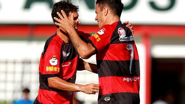 Michel vitória gol serrano (Foto: Felipe Oliveira / Agência Estado)