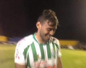 Gênesis marcou o segundo gol do Tocantinópolis na partida contra o Palmas, no NIlton Santos (Foto: Vilma Nascimento/GloboEsporte.com)