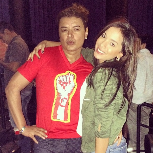 David Brazil e Anitta em cinema na Zona Oeste do Rio (Foto: Instagram/ Reprodução)