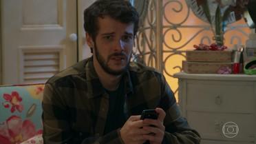 Giovanni tenta falar com Camila