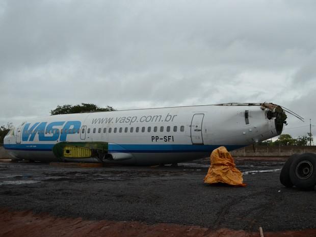 Boeing arrematado em leilão chega em chácara de Araraquara (Foto: Felipe Turioni/G1)