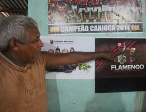 Sales Ferreira da Silva, 52 anos, é o dono do Bar do Flamengo (Foto: Hugo Crippa)