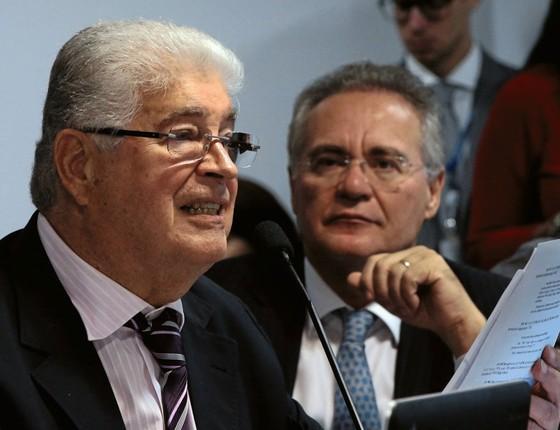 Roberto Requião e Renan Calheiros,senadores (Foto: Givaldo Barbosa / Agência O Globo)