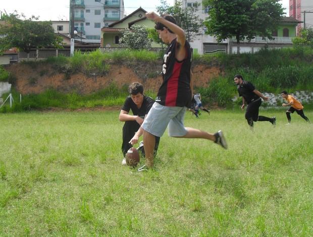 Black Bulls treinanando um Filed Goal (Foto: Cleber Corrêa/GLOBOESPORTE.COM)