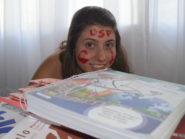 Aprovada na USP, adolescente teve bateria de estudos intensa - Piracicaba (Foto: Thomaz Fernandes/G1)