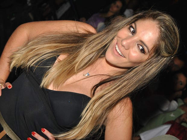 Ex-BBB Anamara em casa de show em Campo Grande, na Zona Oeste do Rio (Foto: Vinicius Andrade/ Divulgação)