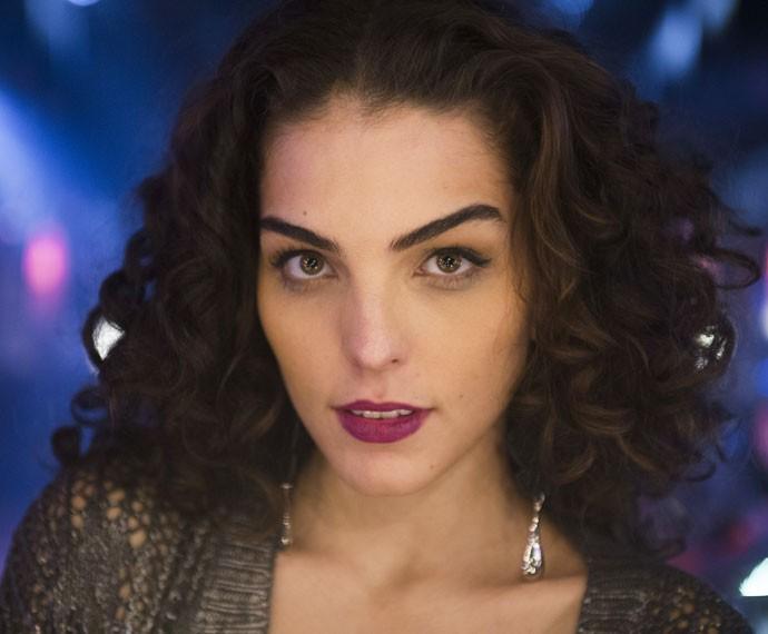 Julia Konrad é Ciça, jovem que sonha viver de música (Foto: Globo/Caiuá Franco)