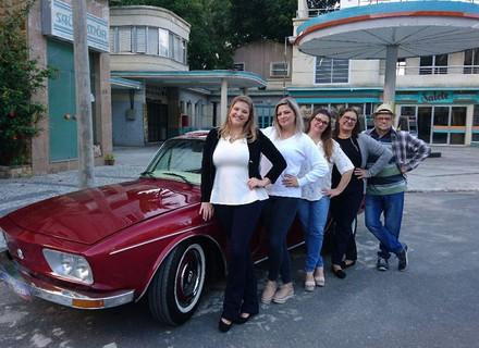 'Lata Velha' atende pedido de filha e surpreende pai apaixonado por carro há 31 anos