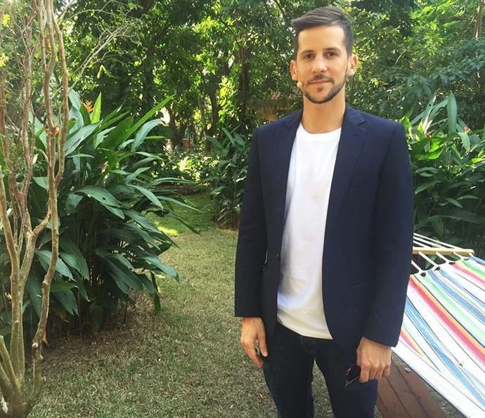 Caio Braz mostra como compor looks com blazer (Foto: Gabriela Freitas/Gshow)