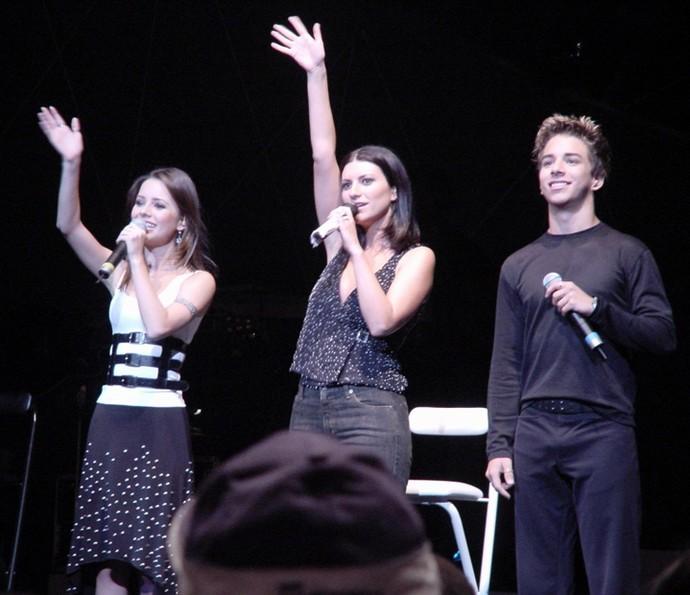 Sandy e Junior já dividiram o palco com Laura Pausini (Foto: Arquivo pessoal / Gshow)