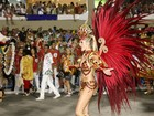 'Estou morta com farofa', diz Bárbara Evans depois de desfile