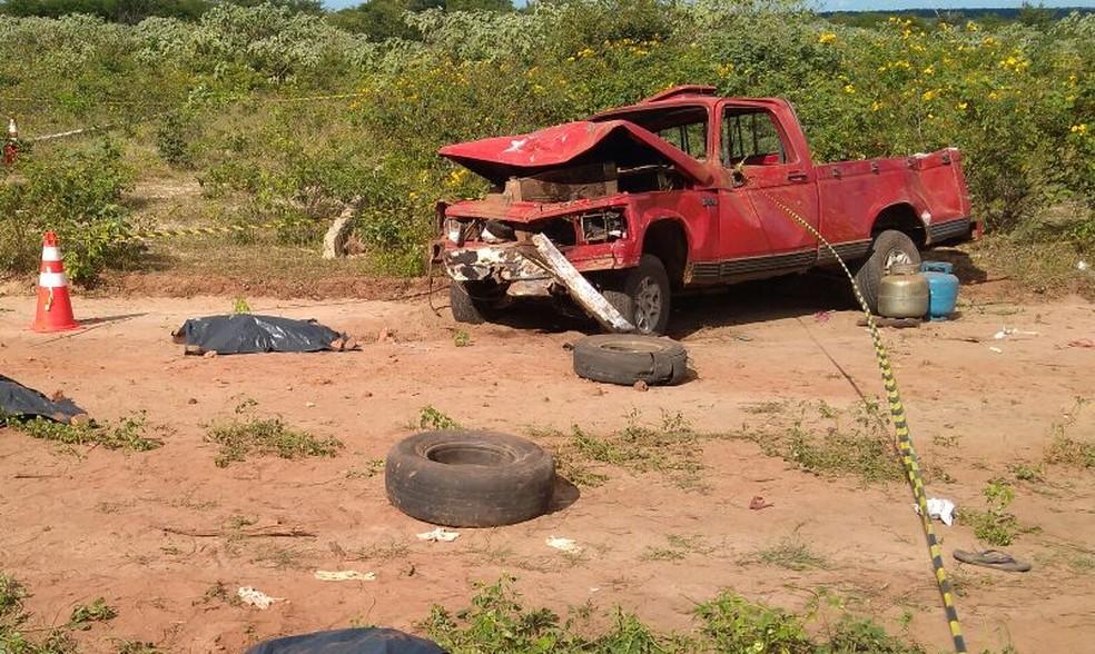 Acidente deixou cinco mortos na PI-213 (Foto: Divulgação/Polícia Civil)
