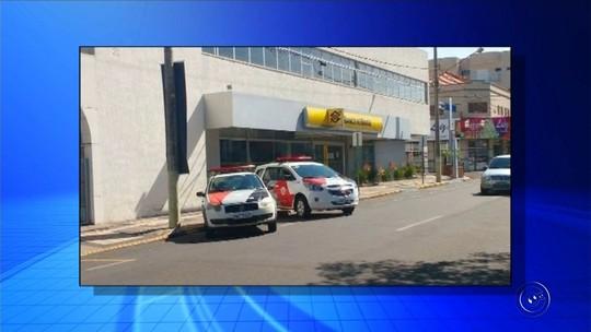 Ladrões colocam garrafas pet no sistema de segurança para furtar agência bancária