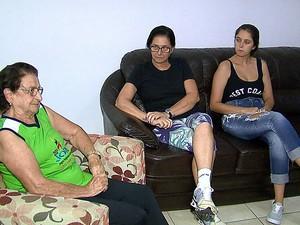 Filha e neta de Nilcea também são da área de educação física (Foto: Reginaldo dos Santos /EPTV)