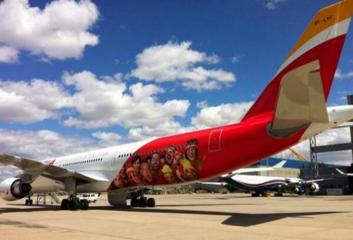 Casillas publica imagem do avião da seleção espanhola (Foto: Reprodução)