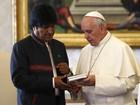 Papa e Morales conversam sobre desigualdades sociais da Bolívia