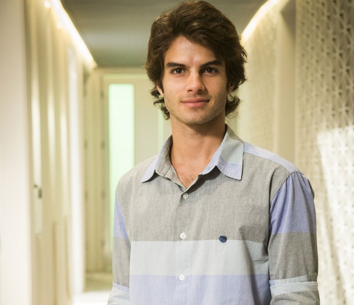 Daniel Blanco interpreta Fabinho, que vai ficar no meio da disputa entre as duas irmãs (Foto: João Miguel Júnior/Globo)