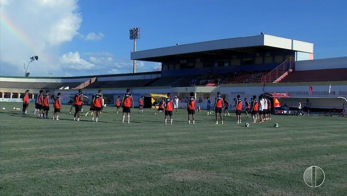 Potiguar de Mossoró - treino Estádio Nogueirão (Foto: Reprodução/Inter TV Costa Branca)
