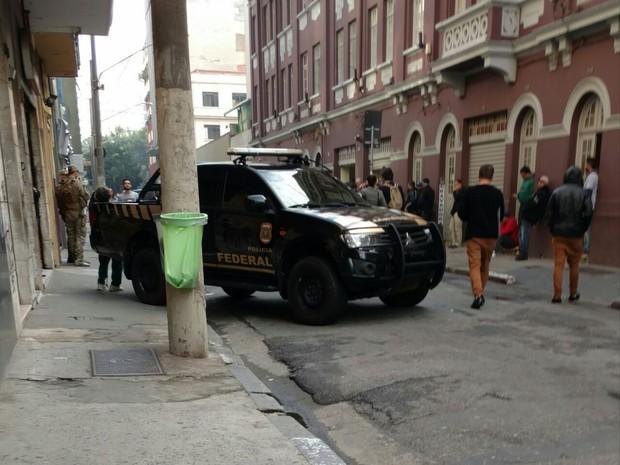 Polícia Federal na sede do PT em São Paulo (Foto: Raul Santos/Arquivo Pessoal)