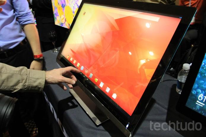 ThinkVision 28, o monitor da Lenovo com resolução 4K que roda Android (Foto: Isadora Díaz/TechTudo)