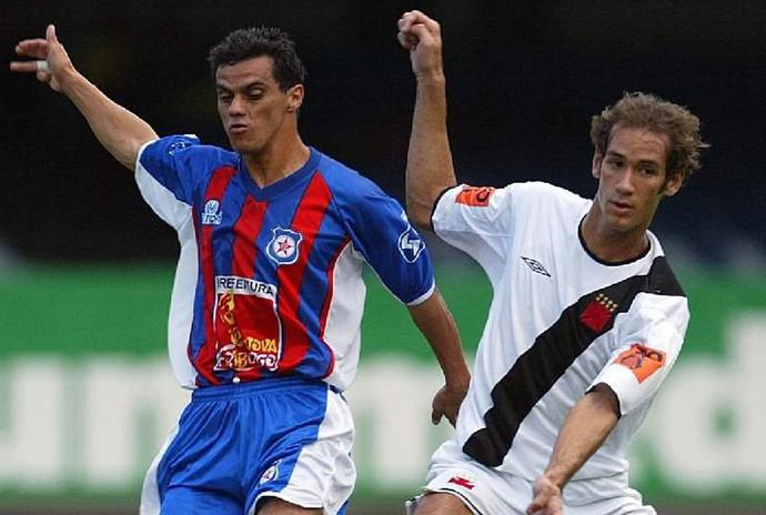 Friburguense x Vasco - 2004 - Rodrigo Souto (Foto: Agência o Globo)
