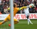 """Com """"paredão"""" Hart, City bate Swansea e garante vaga na Liga"""