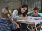 Grupo vai ajudar passageiros a escrever cartas na estação de Ferraz