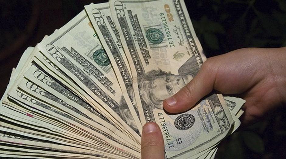 Assalto rendeu US$ 2 milhões ao bando  (Foto: Reprodução)