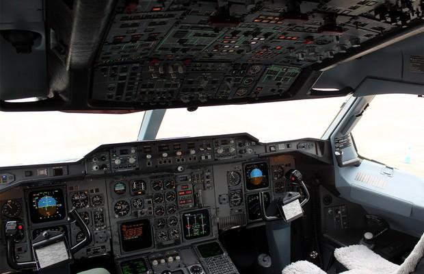 Cockpit do Airbus A310 desenhado pela Porsche (Foto: Reprodução)