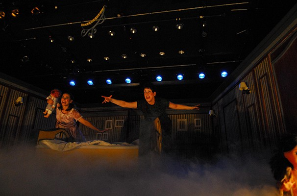 Alexandra Golik e Carla Candiotto vivem os personagens clássicos Peter Pan e Wendy (Foto: Divulgação)