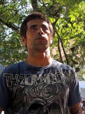Mauro da Silva, tio do surfista Ricardo dos Santos (Foto: Renan Koerich)