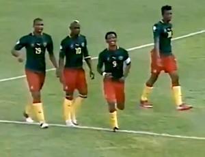FRAME - Samuel Eto'o camarões gol togo (Foto: Reprodução / Youtube)