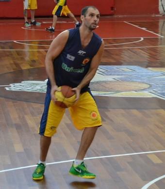 Drudi, pivô São José Basquete (Foto: Thiago Fadini/GloboEsporte.com)