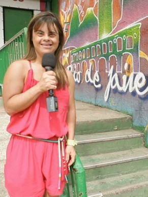 Fernanda Honorato: primeira repórter com Síndrome de Down (Foto: Divulgação / Programa Especial)