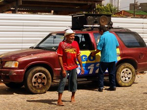 Veículo utilizado nas campanhas de Dagô do Forró, em Natal, é o mesmo há 10 anos (Foto: Rafael Barbosa/G1)