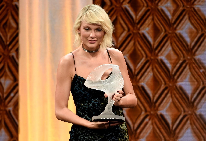 Taylor Swift estava em Beverly Hills, recebendo um prmio (Foto: Chris Pizzello/Invision/AP)