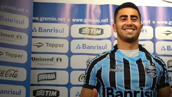 Marquinhos Pedroso é apresentado no Grêmio (Foto: Lucas Uebel/Divulgação, Grêmio)