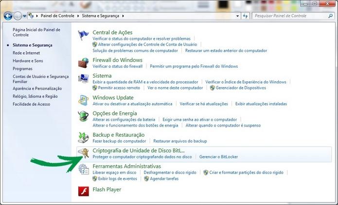 Painel de controle com recurso do BitLocker ativo (Foto: Reprodução/Raquel Freire)