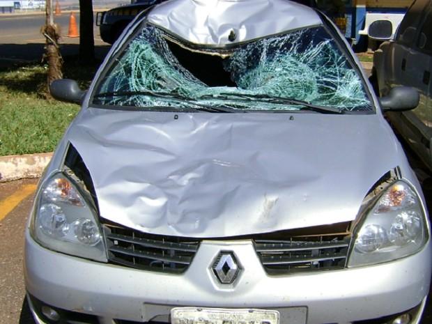 Pedestre foi atropelado no acostamento da BR-452, em Rio Verde, Goiás (Foto: Divulgação/PRF GO)