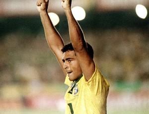 Romário gol jogo Brasil e Uruguai Eliminatórias 1993