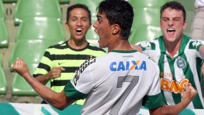 coritiba denner comemoração  (Foto: Divulgação/Coritiba)