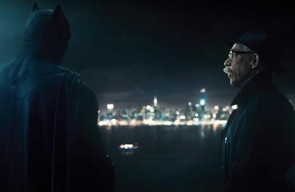 O Batman e o comissário Gordon em cena de 'Liga da Justiça' (Foto: Reprodução)