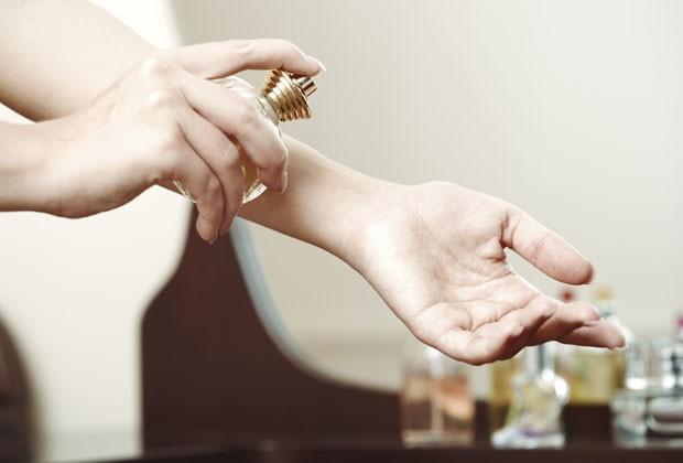 4 regras que você deve seguir quando aplica perfume